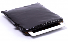 Black iPad Sleeve - Black Dahlia