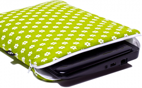 Green NetBook sleeve - Spring Field